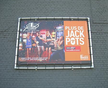 Dispositif d'affichage pour campagne publicitaire près de Lille-Courtrai-Tournai (Eurométropole)